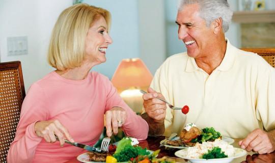 Nutrición en la tercera edad: factor fundamental para la salud